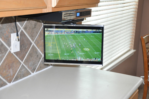 Under Cabinet Kitchen TV Buyers Guide - Quality Mobile Video Blog
